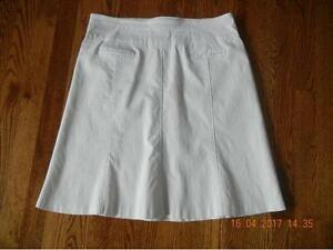 LADIES REITMANS WHITE COMFORT FIT A-LINE SKIRT SIZE 13