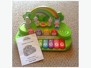 """""""Little Scholastic"""" Découvre et joue Piano"""