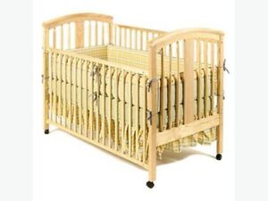 Storkcraft crib and change table set
