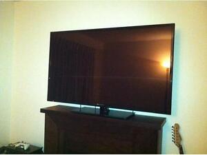PERFECT CONDITION 50 INCH ELEMENT OLED TV