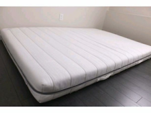 Free delivery king bed set with boxspring