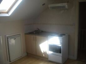 £65pw+£10pw for Bills - 2nd Floor Private Studio -LINDLEY