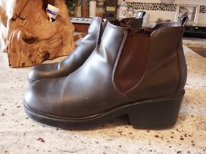 WOMEN'S LEATHER BOOTIES - VERY NICE - CLEANING OUT CLOSET!!