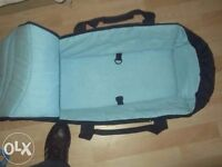 Baby travel bed