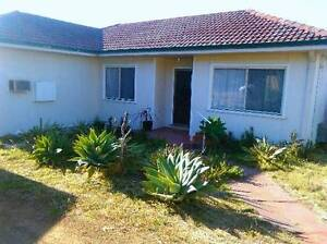 3 BED HOUSE IN PALMYRA WITH AIR COND Palmyra Melville Area Preview