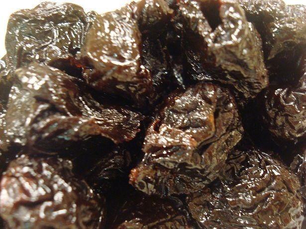 Premium Gourmet Dried Prunes, Grown to Organic Standards, No Additives Fresh