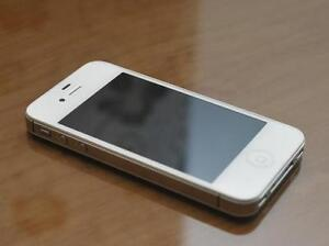 iPhone4S, white 32GB, immaculate, $130, trade for Laptop or iPad