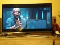 """Samsung 32"""" Smart Led TV New Shape, PAID 300£!!! Delivery"""