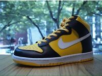 Size 11 Nike Dunk High Yellow / Black – White