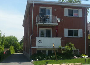 TWO BEDROOM CLOSE TO DOWNTOWN KINGSTON - 77-1 Cowdy St