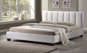 BEAUTIFUL WHITE LEATHER KING SIZE BED FRAME BRAND NEW