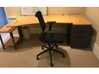 Very good office desks with cantilever adjustable legs
