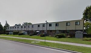 3+1 Bed Condo Townhouse - 1100 Oxford - $157,300
