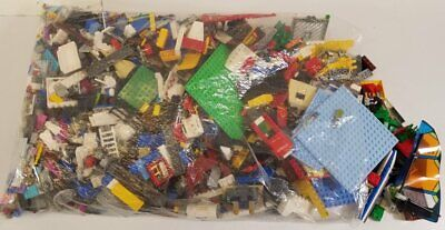 8+ Lbs of Assorted Lego & Other Building Bricks & Pieces - LOT