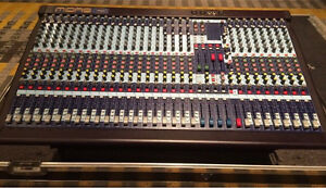 Midas Venice 320, Fx rack Kitchener / Waterloo Kitchener Area image 1