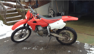 2002 Honda XR 650R Enduro dirt bike