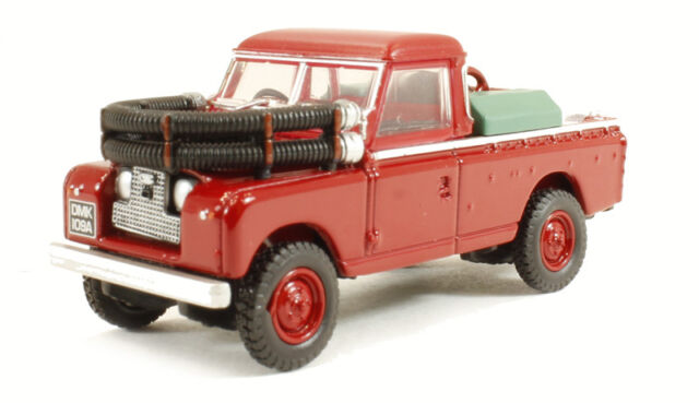 Oxford Die Cast 1:76 Scale Land Rover Series 2 Fire Appliance (76LAN2004) *NEW*