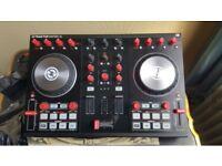 NATIVE INSTRUMENTS TRAKTOR KONTROL S2 MKII DJ CONTROLLER- PRISTINE CONDITION!!!!