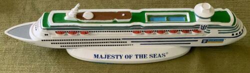 "Royal Caribbean ""MAJESTY Of The Seas"" Cruise Ship (11"") Resin Model"