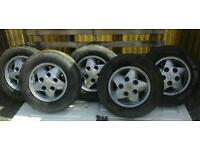 Set off alloys for range rover discovery