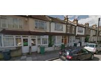 Two bed Maisonette available now in Canning Town E16, Part Dss Accepted!!