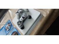 Playstation 4 - 2 controllers, ferrari race set and 4 games