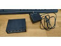TP-Link 5-port Gigabit Desktop Small Black Switch