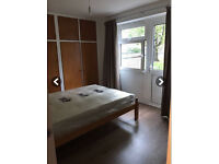 Amazing Double Rooms, Zone 1   8 Min to Paddington