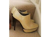 gold sparkly heels size 6