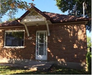 MAIN FLR OF BUNGALOW-centrally located steps from the downtown