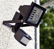 LED Aussenstrahler mit Bewegungsmelder