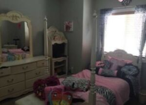 Girl's Poster Bedroom Suite