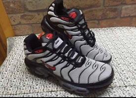 Nike mens Tns size 7