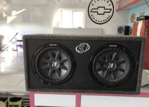 "Dual 10"" comp VR kicker subs with 990 watt Sony amp"