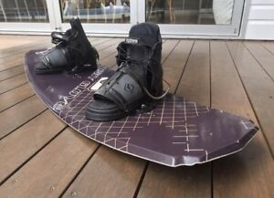 Body glove wakeboard black edition with bindings