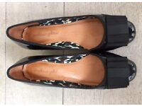 Beautiful and comfortable Mellow Yellow Black Patent Shoe Size 4.5 (37)
