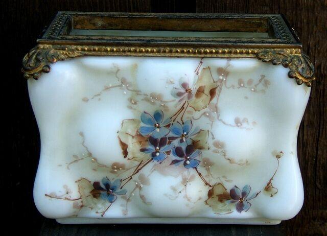 Antique Wavecrest Art Glass Decorated Photo or Letter Holder