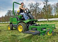 Operateur de tracteur a gazon commercial