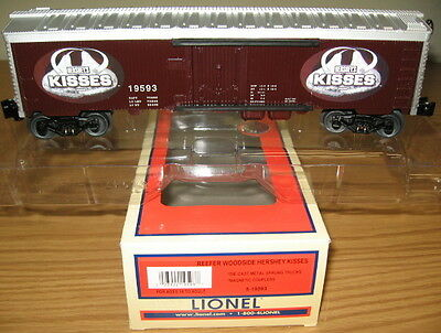 LIONEL 6-19593 HERSHEY'S CHOCOLATE KISSES WOOD-SIDED REEFER O GAUGE TRAIN CAR