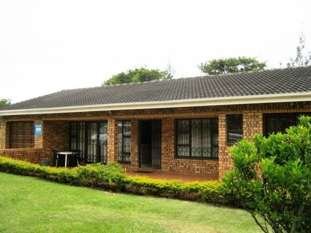 3 bedroom 2 bathroom face brick house for sale in port for Face brick homes