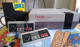 Nintendo NES Console + Super Mario 3