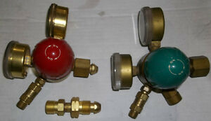 PAIR OF AIRCO  OXYGEN - PROPANE & ACETYLENE REGULATORS Belleville Belleville Area image 4