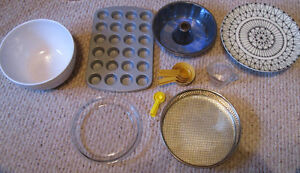 Baking Lot Pans pie bowl spoons, Kitchen, Cabin, cake stand