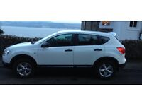 Lovely White Qashqai. Very good condition nice looking car and lovely to drive. Full year mot.