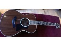 Taylor 522e 2014 with Expression system 2 including original hardcase