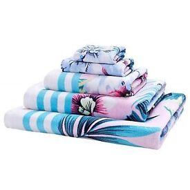 Accessorize Towels BNWT