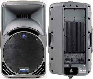 Made In USA Mackie SRM450 Powered Speakers  Pair Mint