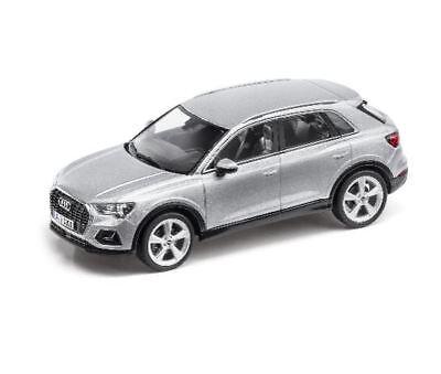Audi Q3 Modelo a Escala Miniatura 1:43 Minimax 2018 Plata Florete - 5011803631