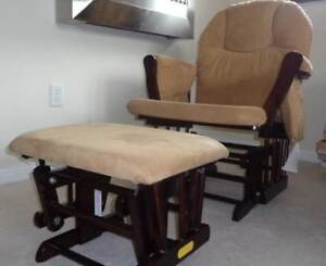 Rocking Chair in excellent condition! Like new $180 firm