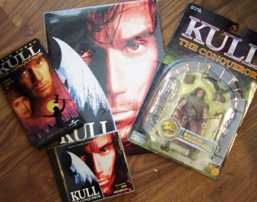 KULL THE CONQUEROR KEVIN SORBO (HERCULES) SIGNED FIGURE PRESS KIT CD & DVD SET